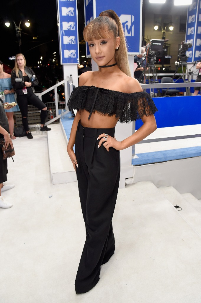 Ariana Grande ponytails from VMA 2016