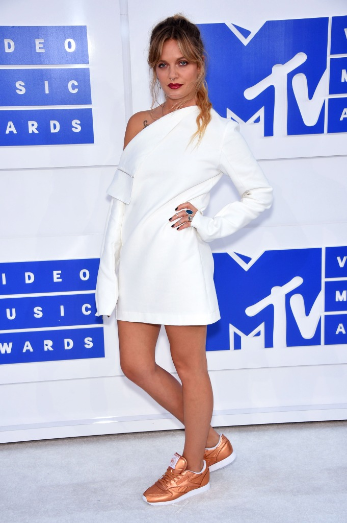 Tove Lo messy ponytail VMA 2016