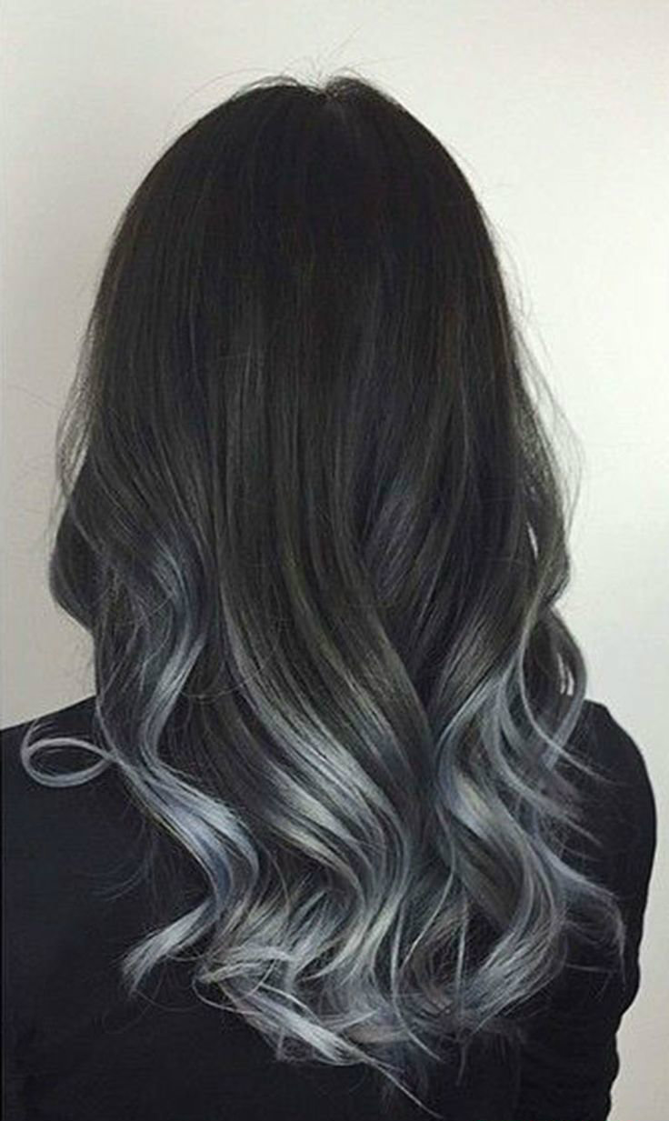 curly-wavy-hair-of-ombre-silver-hair-color