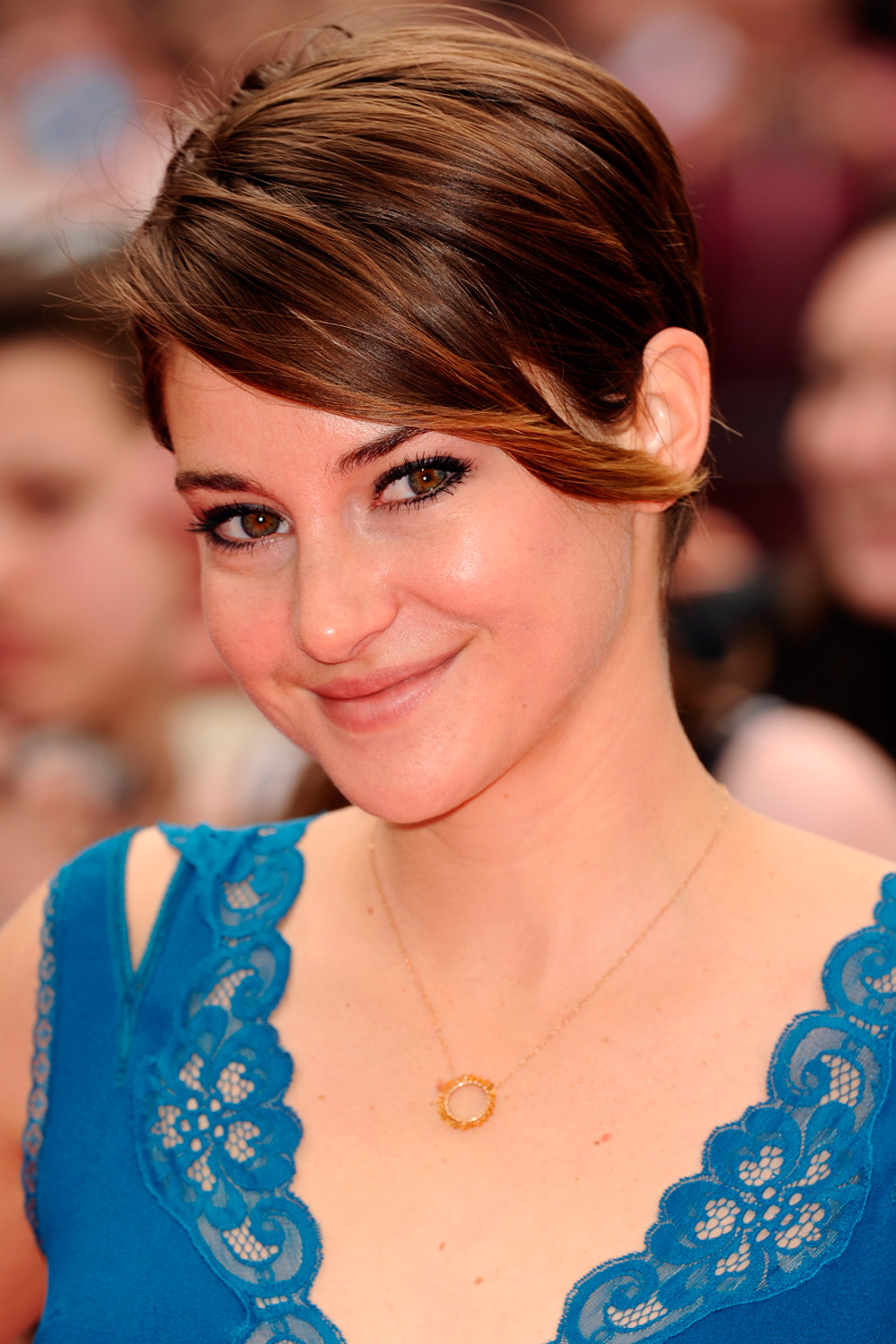 shailene-woodley-short-pixie-haircuts