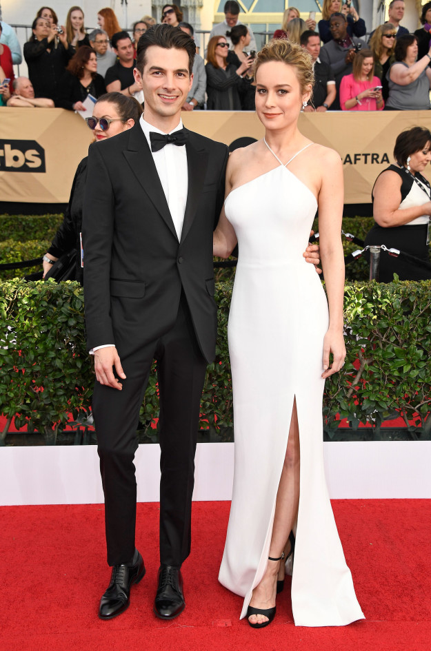 Alex Greenwald and Brie Larson hairstyles 2017 SAG Awards