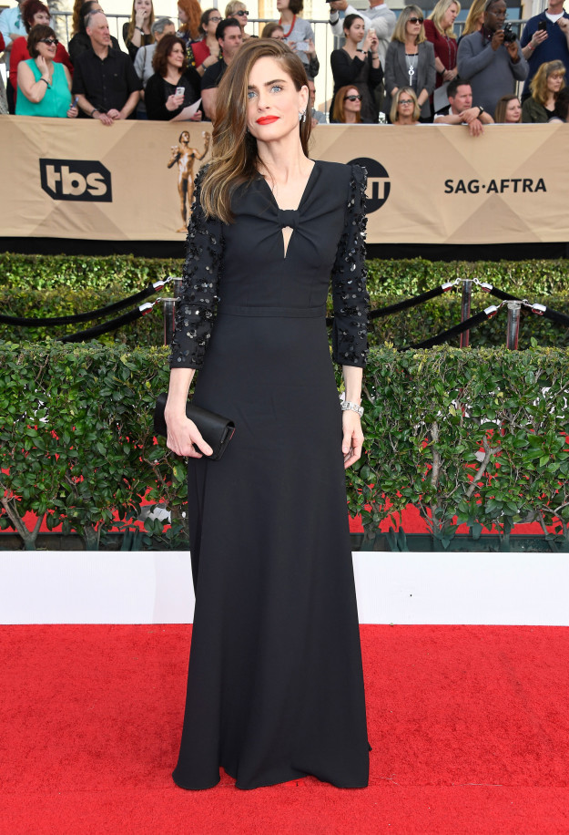Amanda Peet hairstyles 2017 SAG Awards