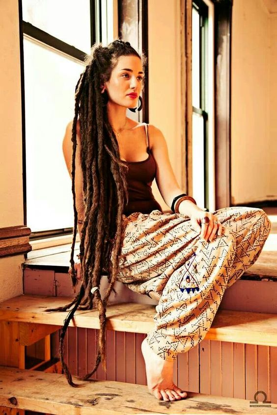extra-long-female-dreadlocks-hairstyles