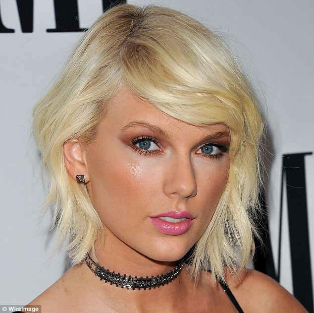Taylor Swift platinum blonde bob hairstyles 2017