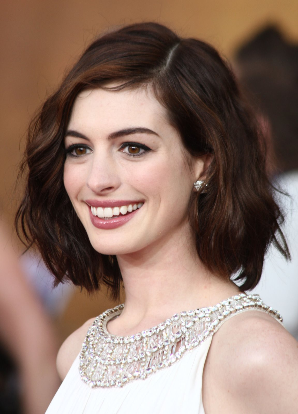 Anne Hathaway bob hairstyles for prom 2017