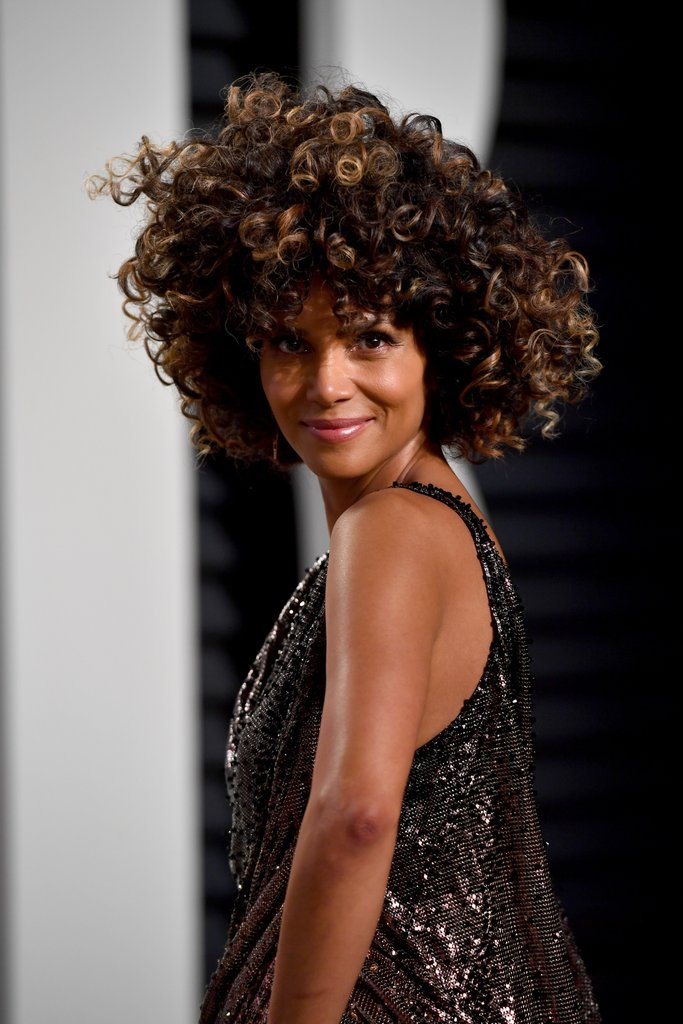 Halle Berry curly hairstyles 2017