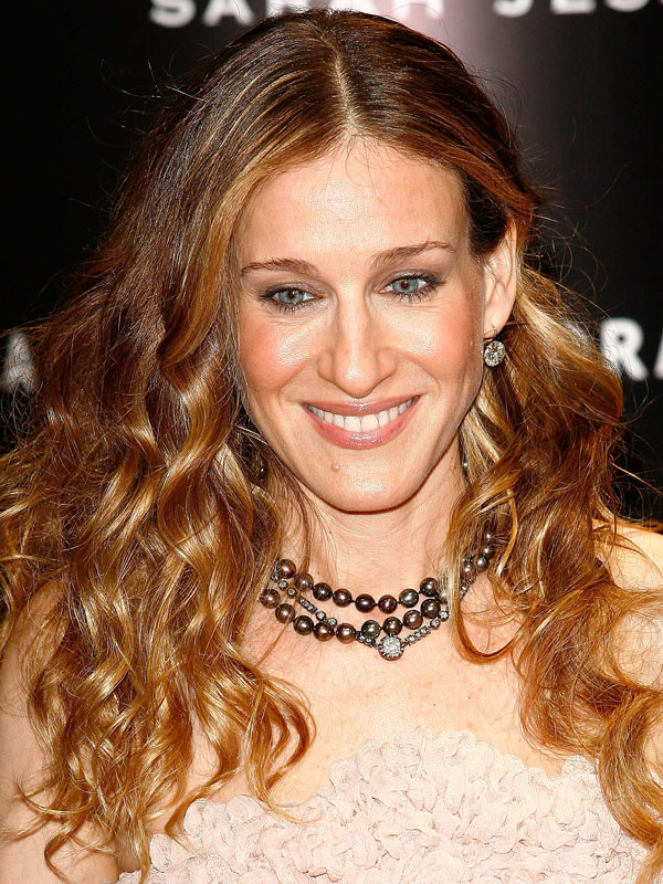Sarah Jessica Parker curly hairstyles 2017