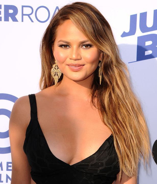 Chrissy Teigen balayage hair color trends 2017 Fall-Winter 2018
