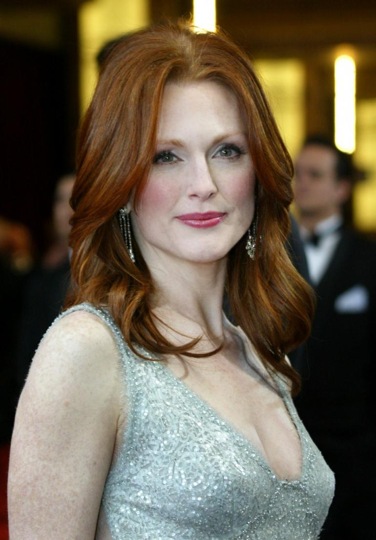 Julianne Moore rich copper hair color trends 2017 Fall-Winter 2018