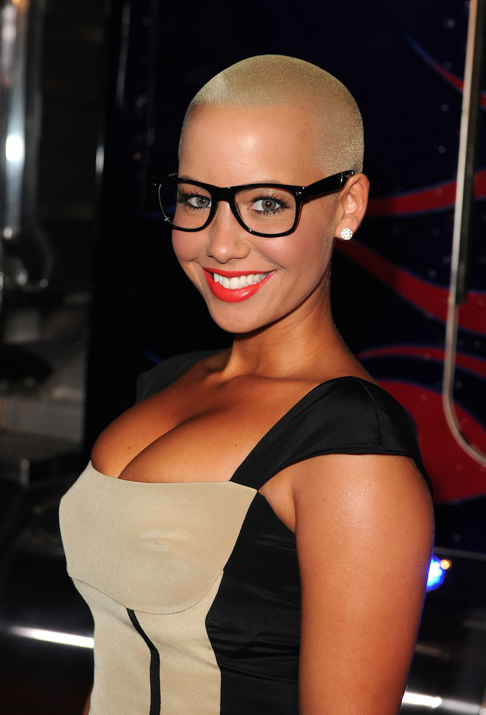 Amber Rose buzz cut hairstyles 2018