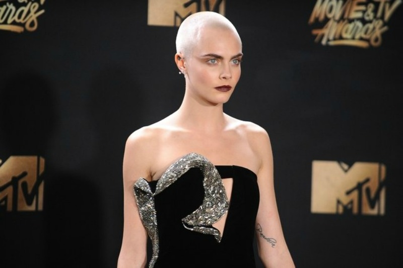 Cara Delevingne buzz cut hairstyles 2018