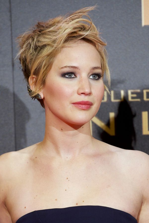 Jennifer Lawrence short pixie haircuts