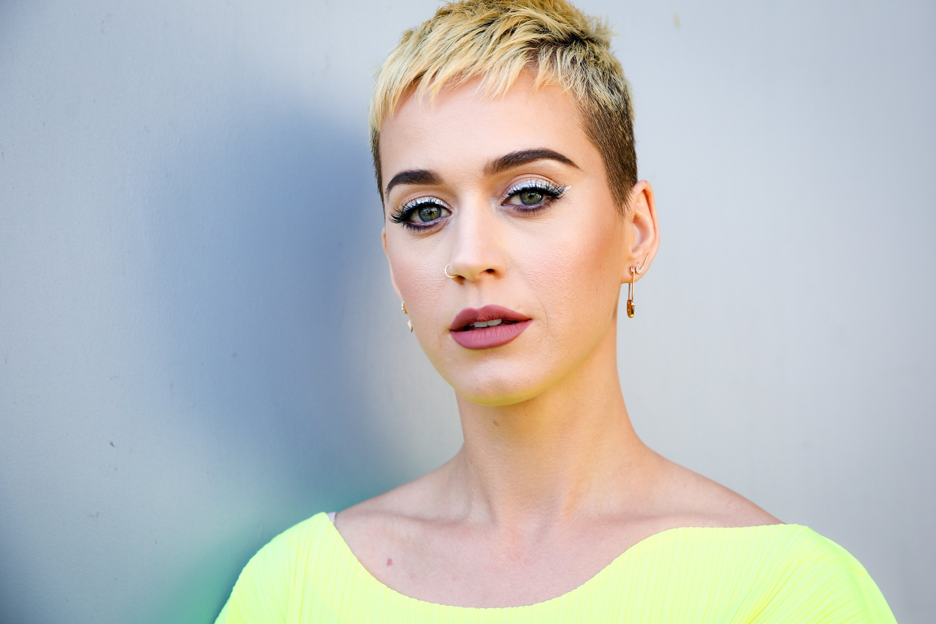 Katy Perry short pixie hairstyles 2018