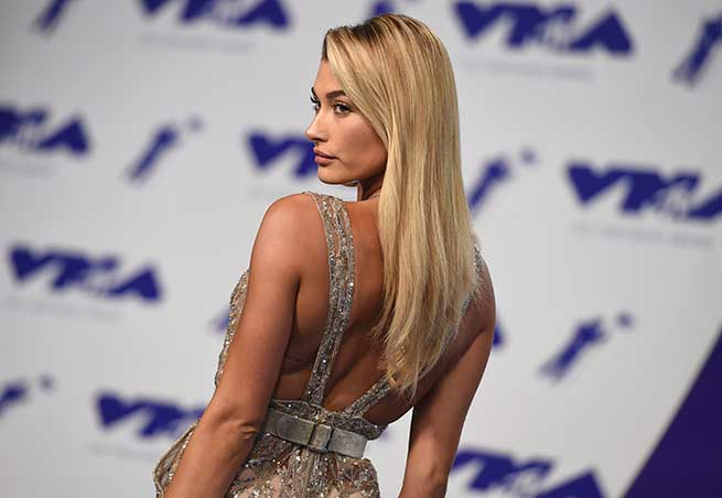 Hailey Baldwin celebrity hairstyles VMA 2017