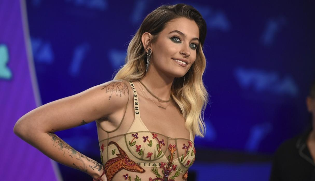 Paris Jackson casual hairstyles at VMA 2017