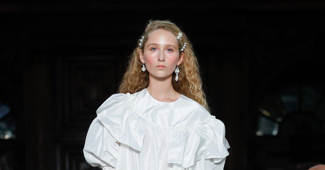 Simone Rocha hair accessories spring 2018