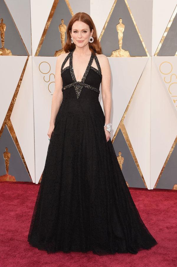 peinados Julianne Moore en los premios Oscar's 2016