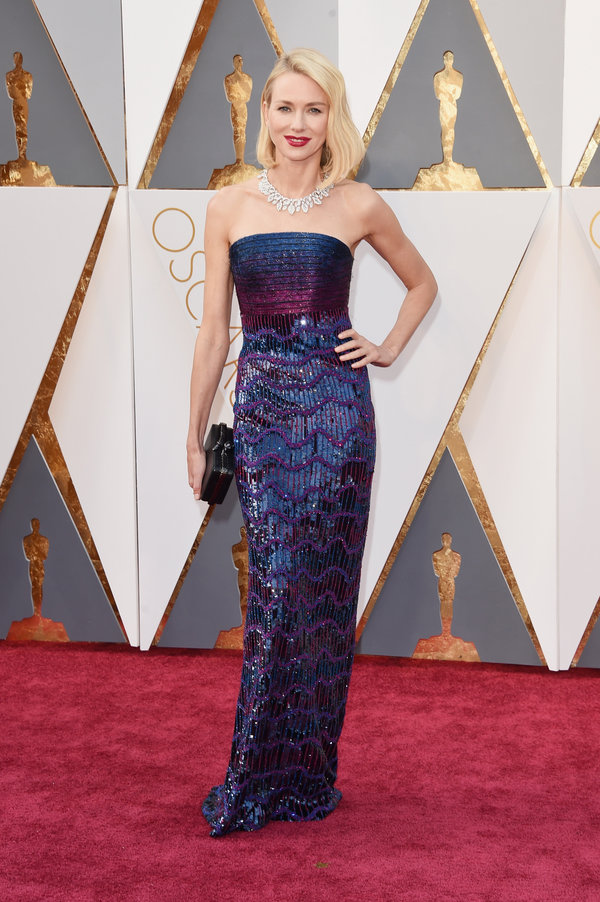 peinados Naomi Watts en los premios Oscar's 2016